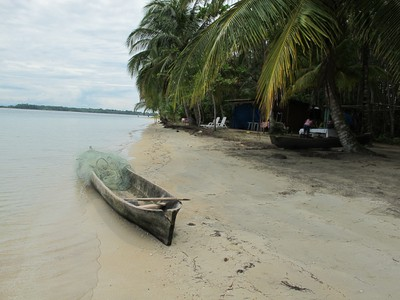 Dugout canoe at Starfish Beach