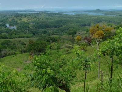 Rolling hills around Nancito, Panama